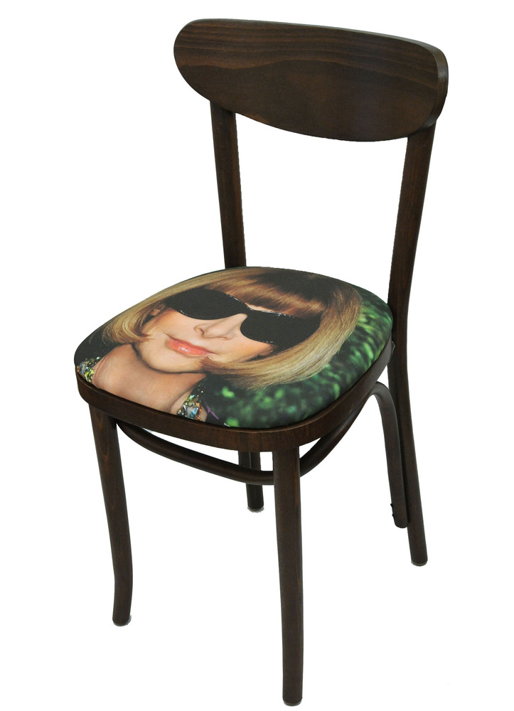 Sit on my Face Anna Wintour Art Chair