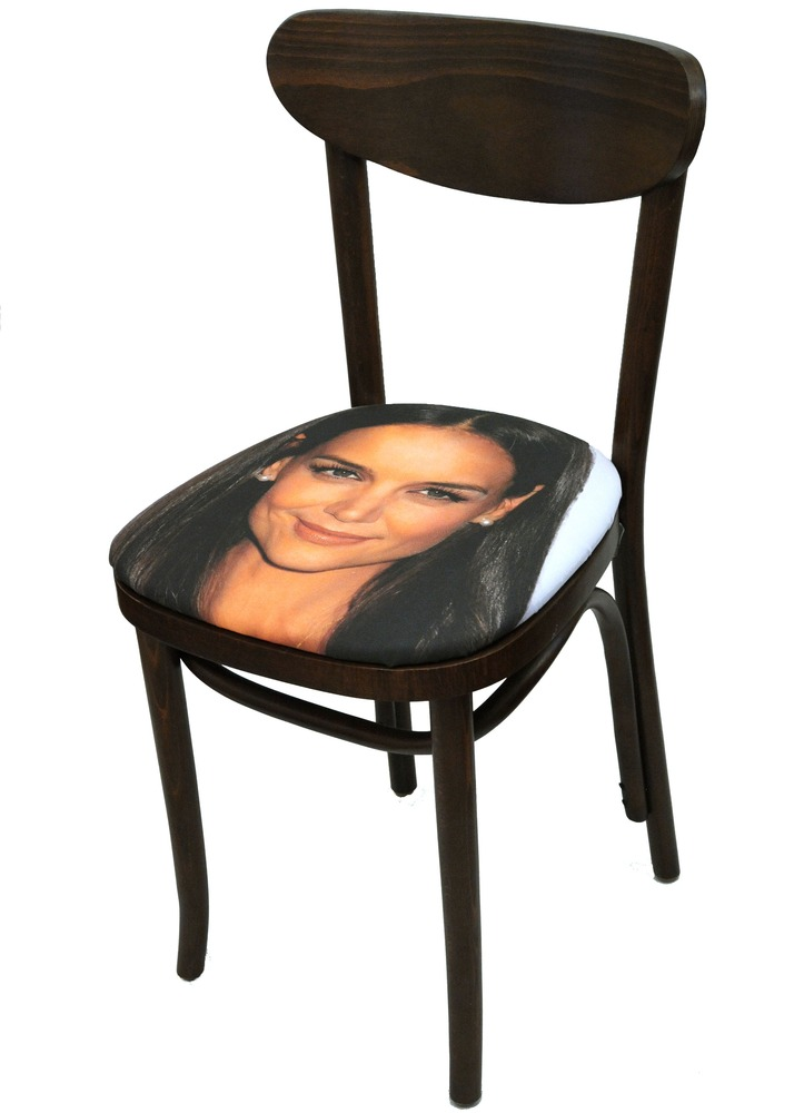 Sit on my Face Katie Holmes Art Chair