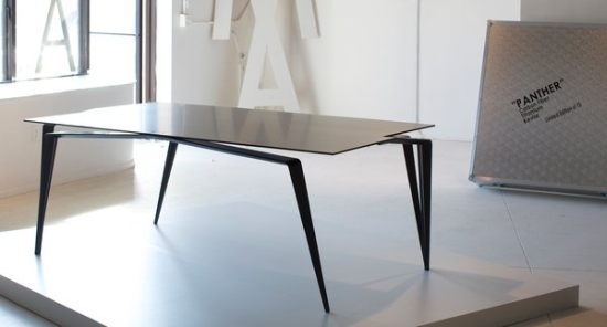 Panther Dining table