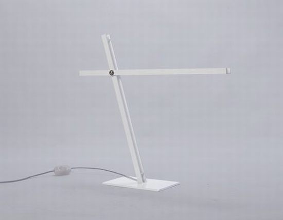 Cantilevered Desk Lamp by Taylor Donsker 1