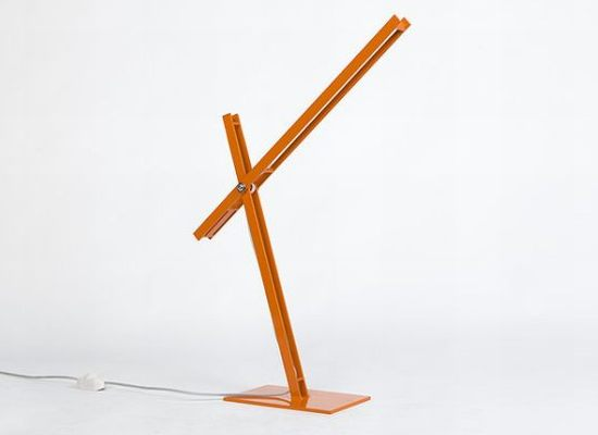 Cantilevered Desk Lamp by Taylor Donsker 2