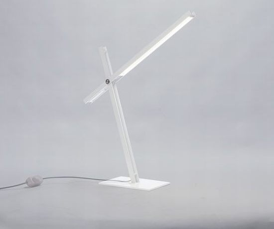 Cantilevered Desk Lamp by Taylor Donsker 3