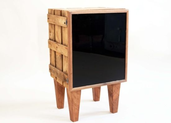 A Real Scot's Whisky Crate Side Table