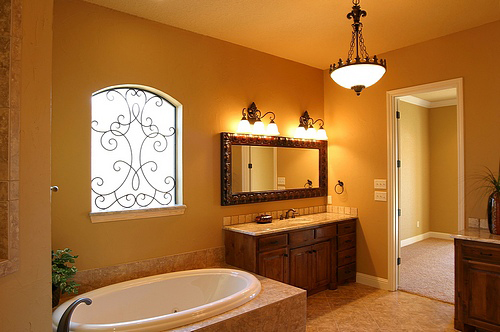 Vanity Lighting Ideas Tips : Bathroom lighting tips for homeowners - HomeTone.org