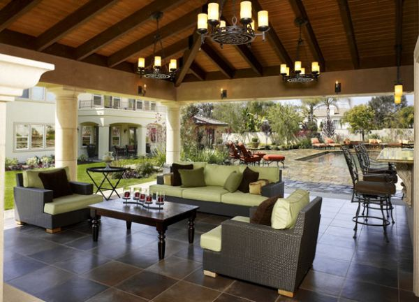 Five Ideas To Build An Outdoor Living Room