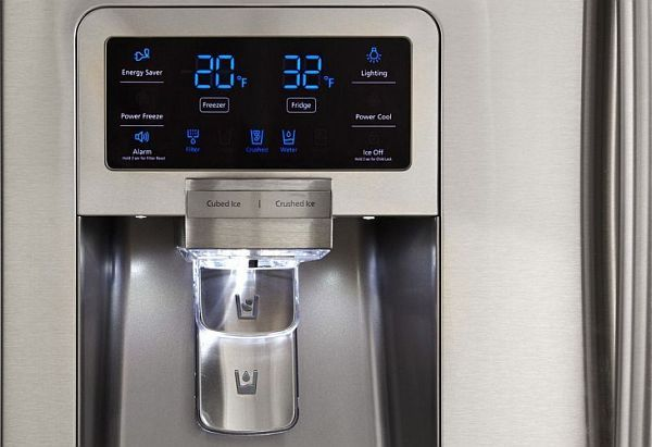 Refrigerator with touch controls