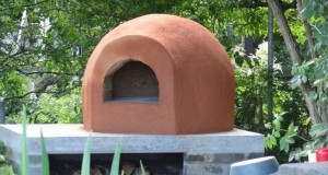 Adobe Dome pizza oven